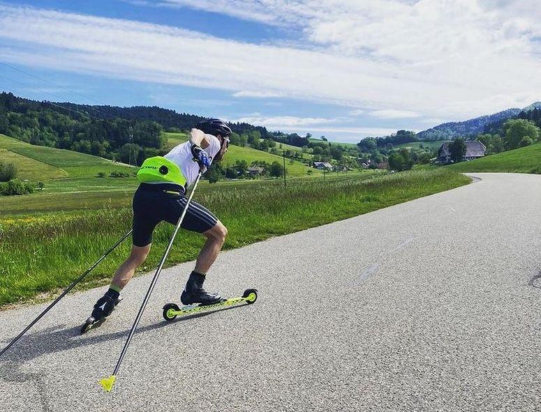 07 Familiensport im Sommer Skiroller - FAMILIENSPORT IM SOMMER